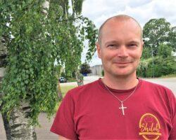 Johnny Tidemand er ny præst i Søhøjlandets Kirke